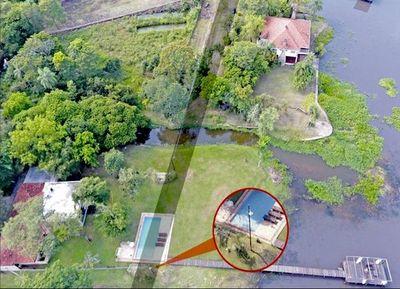 Intendente confirma que la piscina de la diputada Amarilla está en la calle