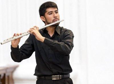 Juan Ayala: creciendo al son de la flauta
