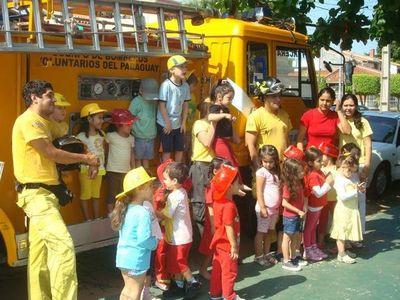 Bomberos Voluntarios inician colonia de vacaciones