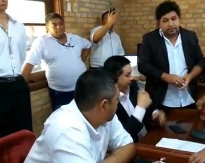 """En la Comuna revelan detalles de las coimas que reciben """"kelembú"""", Núñez y Javier Bernal"""