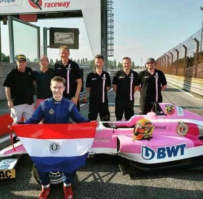 Paraguayo es elegido como piloto del mes