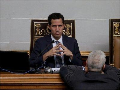 Guaidó dice que policías fueron a su casa para interrogar a su esposa