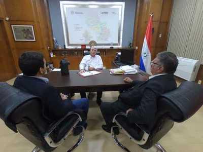 Reunión con gobernador y presidente del Consejo de Intendentes de Caaguazú