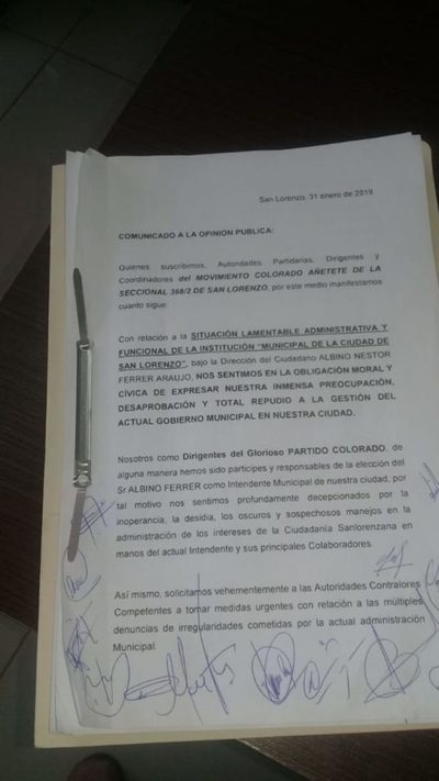 Dirigentes de Añeteté desaprueban gestión de Albino Ferrer