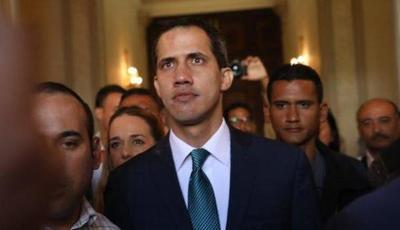 Guaidó eleva el desafío a Maduro con ayuda humanitaria