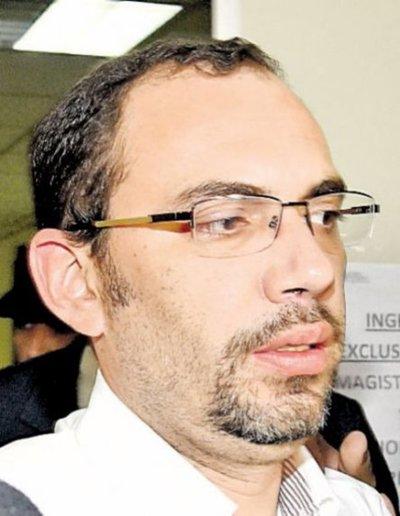 Acusan a Fernández Lippmann