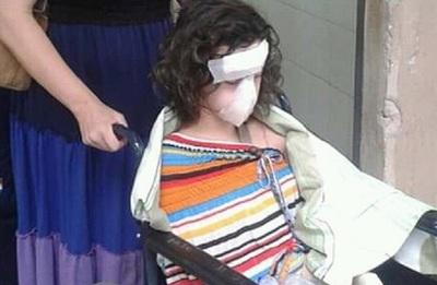 Madre pide ayuda para tratamiento de su hija tras accidente