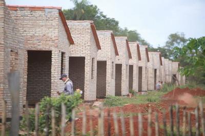 Mandatario visitó hoy la ciudad de Villarrica para verificar construcción de viviendas sociales