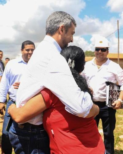 Jefe de Estado se interioriza del avance de la construcción de viviendas sociales en el Guairá