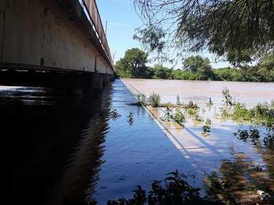 Pozo Hondo: Pobladores preocupados por deterioro del muro de contención
