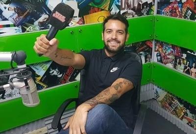 Oscar Pintos advirtió que alguien usurpa su identidad