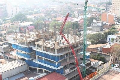 Empresa constructora beneficiará a 170 familias este año