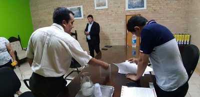 Diputados notifica destitución a la Junta y la Municipalidad de CDE