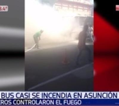 Suman las chatarras que arden: Otro incendio de bus en Asunción