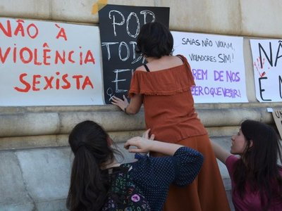 """""""Basta!"""", Portugal se revuelve contra la violencia machista"""
