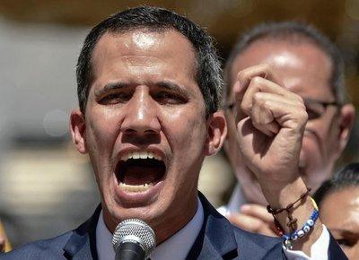 Otro alto oficial militar desconoce a Maduro