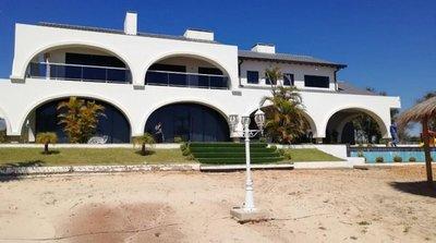 Ministra viola ley al ocultar contrato de alquiler de la mansión de Cucho