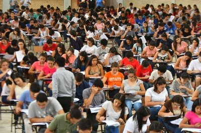 Un total de 1.968 jóvenes sigue en carrera por las becas de Itaipú