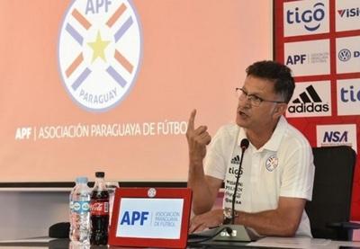 Osorio niega renuncia a la Selección Paraguaya
