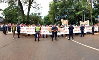 """Mbururú: """"Cubas y Britez deben el cargo a Kelembú"""""""