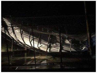 """""""Tornado"""" destechó doce casas y dos tinglados en Filadelfia"""