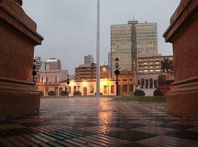 Ambiente inestable con lluvias y tormentas eléctricas para este martes