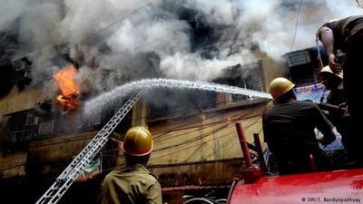 Al menos 9 muertos en incendio en un hotel en India