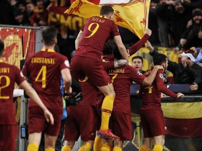 Roma triunfa, pero deja con vida al Porto