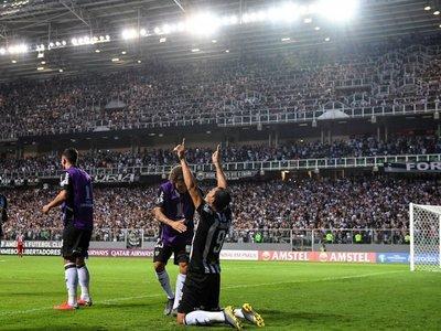 Ricardo Oliveira fulmina al Danubio