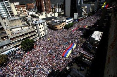 Venezuela salió a la calle a exigir el ingreso de la Ayuda Humanitaria