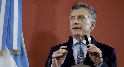 Organizaciones sociales argentinas marchan contra el Gobierno de Mauricio Macri