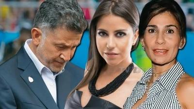 HOY / ¿Fue la 'amante' periodista de Osorio el 'problema familiar' que  lo obligó a dejar a la albirroja?