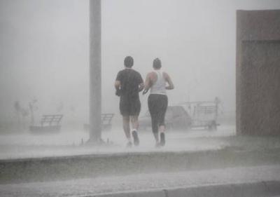 HOY / Tiempo cálido y lluvioso para celebrar día de los enamorados