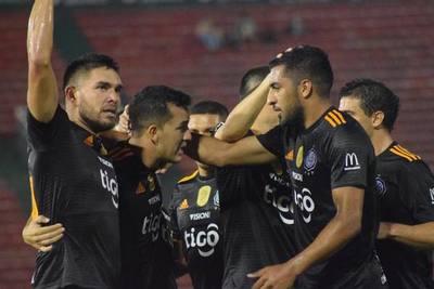Olimpia es líder del Apertura tras vencer a Nacional