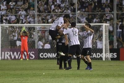 Libertad golea y avanza en la Libertadores