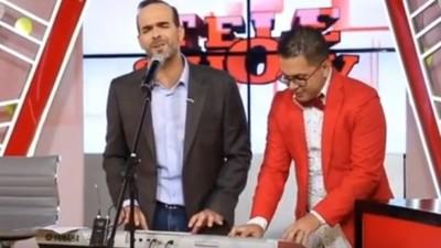La Serenata Que Brindó Álvaro Mora
