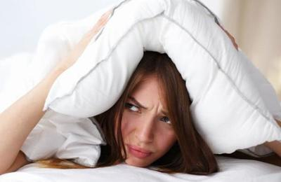 La novedosa cama que soluciona los problemas de espacio entre las parejas