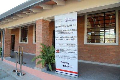 Gobierno habilita 206 escuelas renovadas en diferentes puntos del país