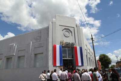 BNF modernizó su local de Carapeguá para ofrecer mejor atención a sus clientes