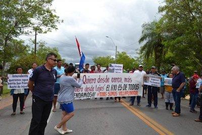 Pescadores cierran la ruta I, en Villa Florida