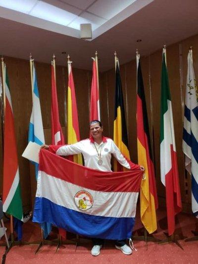Torres, tricampeona mundial