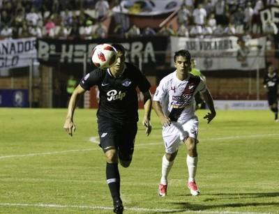 River Plate y Libertad no se sacan ventajas en los Jardines del Kelito