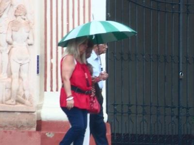 Anuncian jornada cálida pero con lluvias