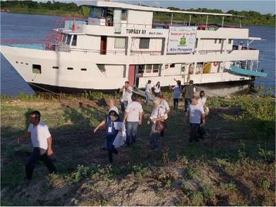 Operativo de asistencia médica en el río llega a Puerto Guaraní