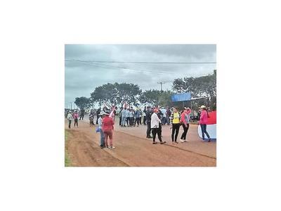 Agricultores de Santa Lucía exigen la provisión de tierra