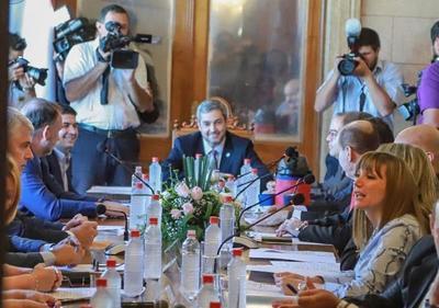 En Consejo de Ministros, Presidente pide priorizar asistencia a sectores más vulnerables