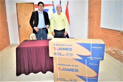 Donan un acondicionador de aire al Hospital Regional de Mariscal Estigarribia