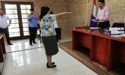 Felicita de Paniagua jura como concejal de CDE