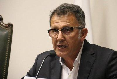 Pedirá suspensión de Juan Carlos Osorio