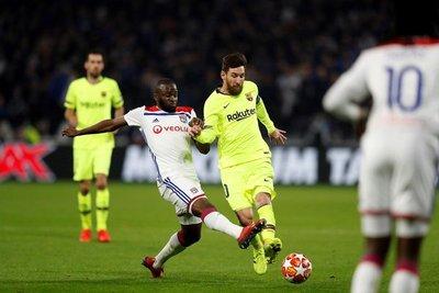 Lyon y Barcelona sellan un empate sin goles en la ida